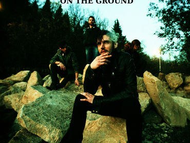 Recensione dell/'Album On The Ground