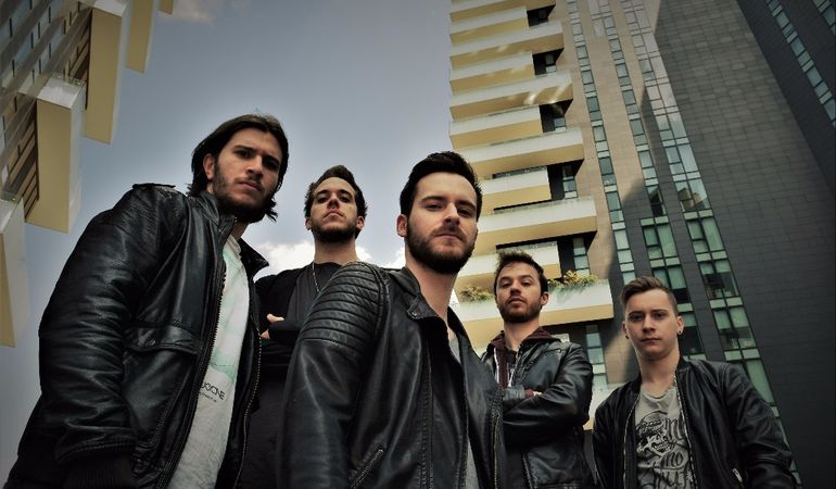Fly or fall: il nuovo video dei Deep As Ocean