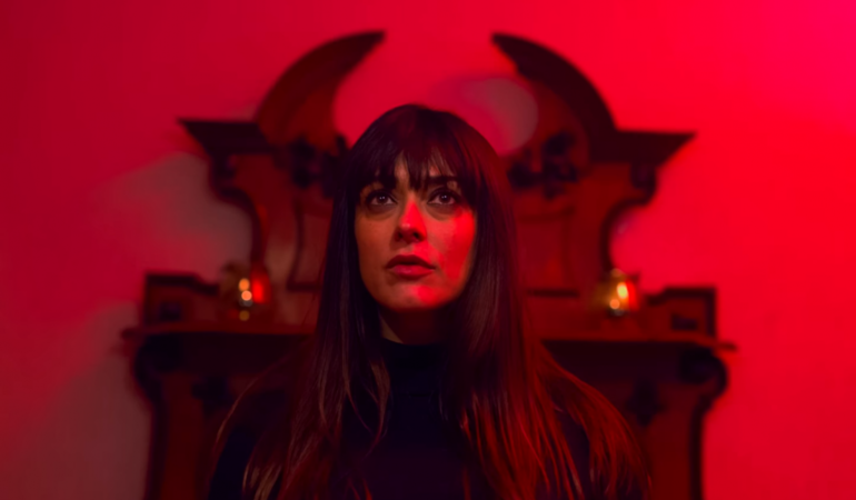 """""""Sospesi"""" è il nuovo video di Colapesce, con la partecipazione straordinaria di Valentina Lodovini"""