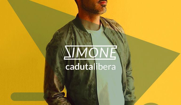 """Simone Tancredi torna in radio con """"Immobili""""."""