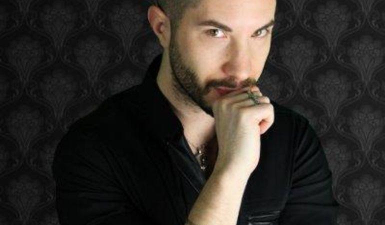 """Il rock di Carlo Contocalakis in radio. Titolo singolo: """"Chiudi gli occhi""""."""