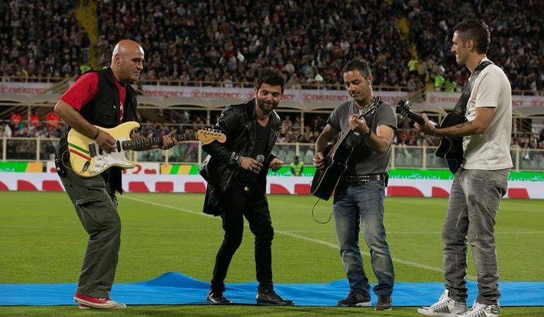 Francesco Guasti canta davanti a 40.000 persone