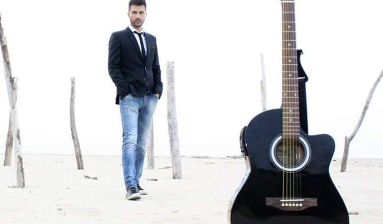 """""""Dammi un attimo"""" il nuovo singolo del cantautore Marco Santilli. Nel video anche Laura Freddi"""