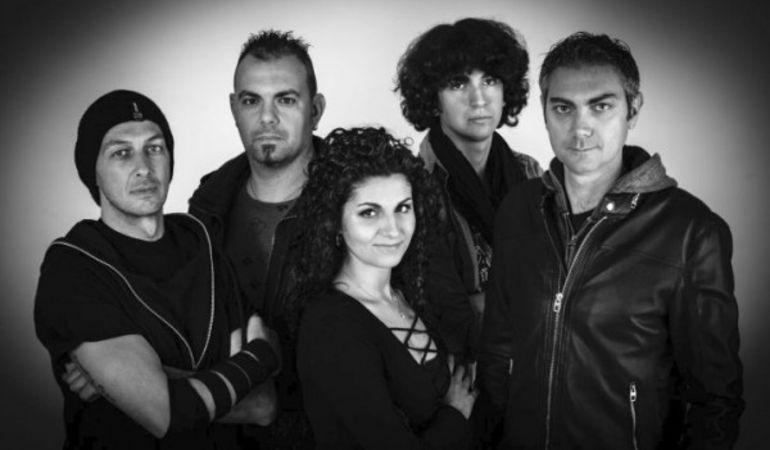 """La band calmApparente in radio il primo singolo """"Fermo immagine"""" (feat. Elena Balestri) , da Aprile in tour."""