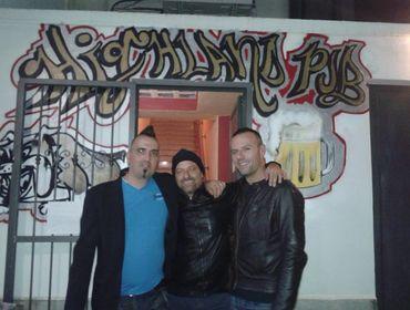 Siamo una band,punk rock, che cerca date per poter far conoscere il nostro lavoro