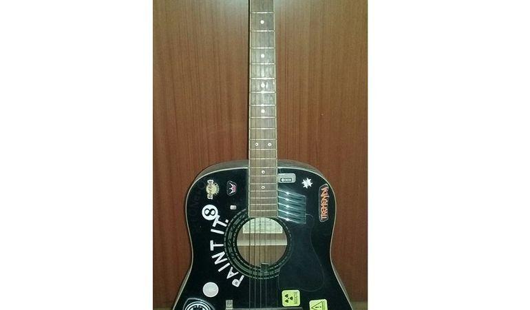 Chitarra Acustica Ibanez V70 BKN-27-01 Customizzata