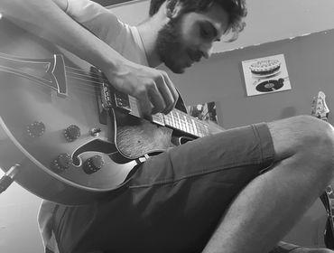 Mi offro come chitarrista